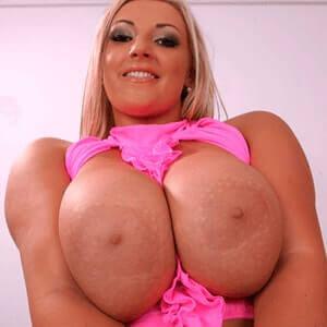 Naked blonde amateur